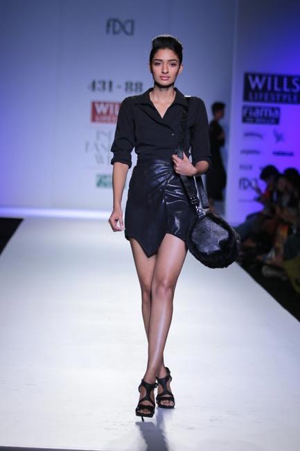 431-88 by Shweta Kapur  -at WIFW AW 2014