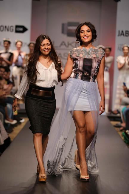 Actress Richa Chaddha walked for Sounia Gohil at LFW SR 2014