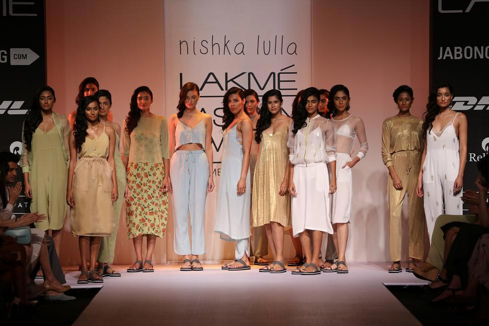 Ah move over candy floss, Nishka Lulla has gone earthier and sexier! - LFW SR 2014