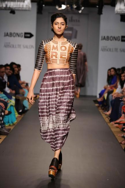 Cultural and pop references made appearance in Ragini Ahuja's Summer Resort collection -  Jabong Stage at LFW SR 2014