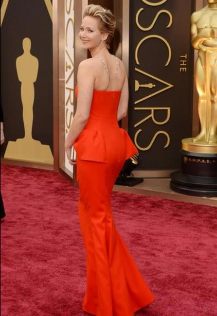 Jennifer Lawrence too looked stunning in Dior- Oscars 2014