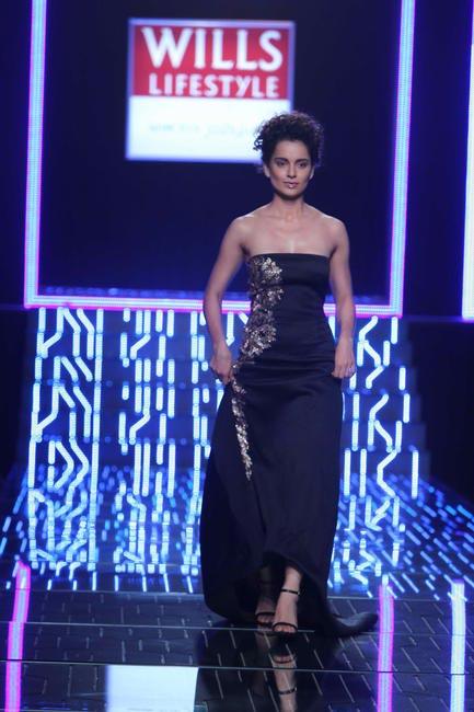 Kangana Ranaut walks for Namrata Joshipura - WIFW 2014