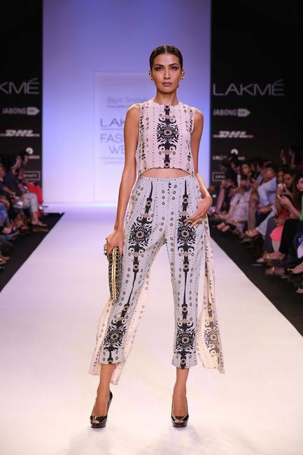 Payal Singhal played to her strength with prints at LFW SR 2014