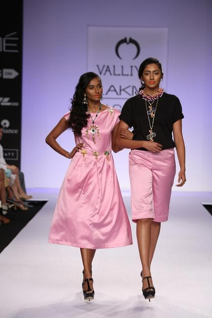 The Indian fashionfraternity  has been  supportive of the LGBT  community and Nitya Arora's show was one such beautiful example. Valliyan's Juliet l...