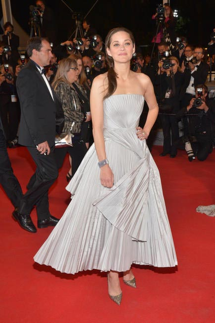 Marion Cotillard in Dior Haute Couture pleated dress