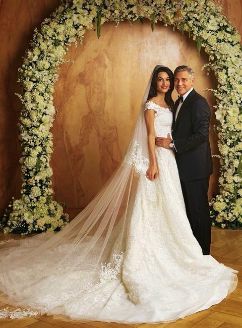 Amal Clooney on her wedding day in Oscar de la Renta