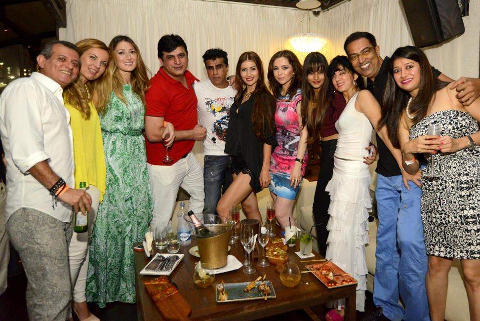 Karim Morani, Aftab Patel , Vindu Dara Singh & Friends