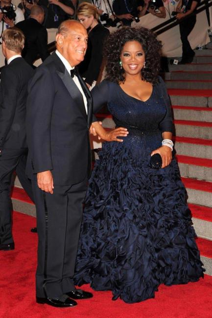 Oprah Winfrey with Oscar de la Renta at 2010 MET Gala