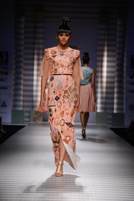 Pankaj & Nidhi at Wills Lifestyle SS 2015