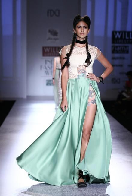 Paras & Shalini at Wills Lifestyle SS 2015