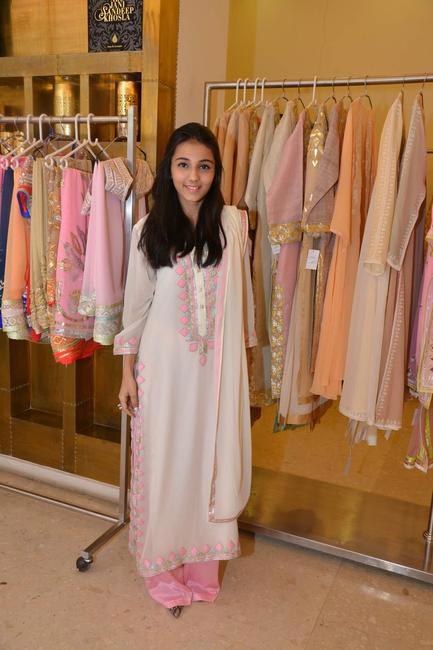 Blogger, Masoom Minawala