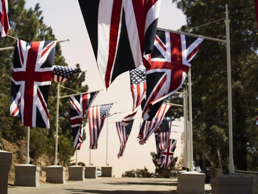 Britain takes over LA