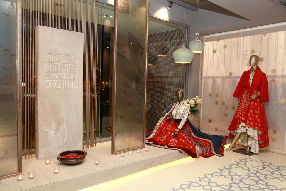 Anju Modi Store - Entrance