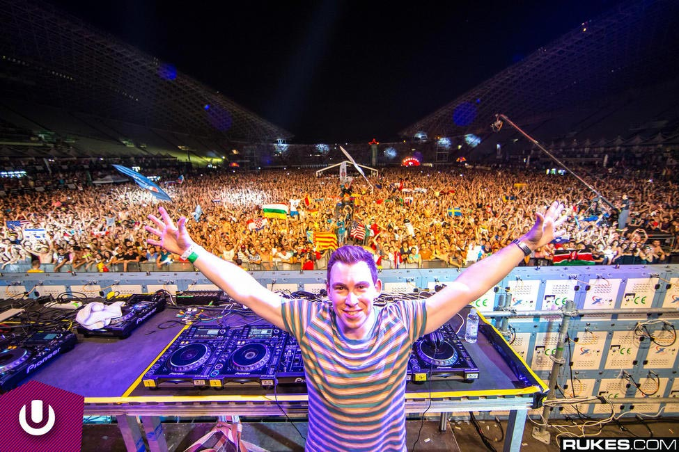 5 minutes with dj hardwell grazia india dj hardwell during a concert altavistaventures Image collections