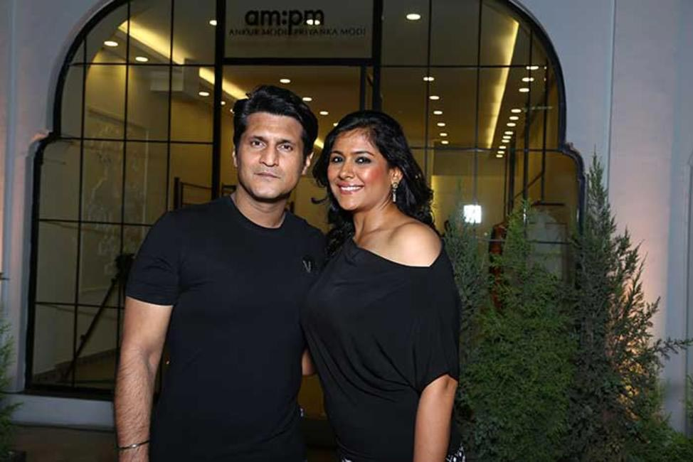 Rajiv & Ruchi Makhni.