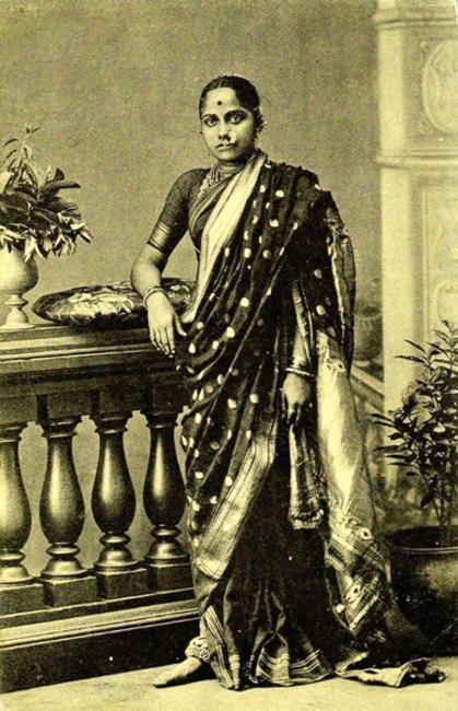 Marathi Woman in Nauvaari