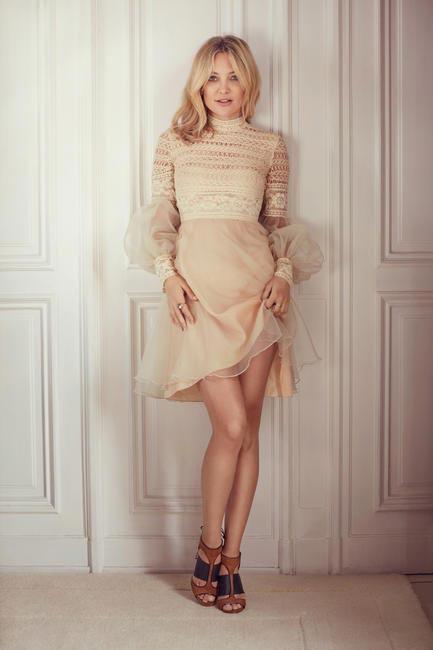 Kate Hudson wears the Moira Sandal