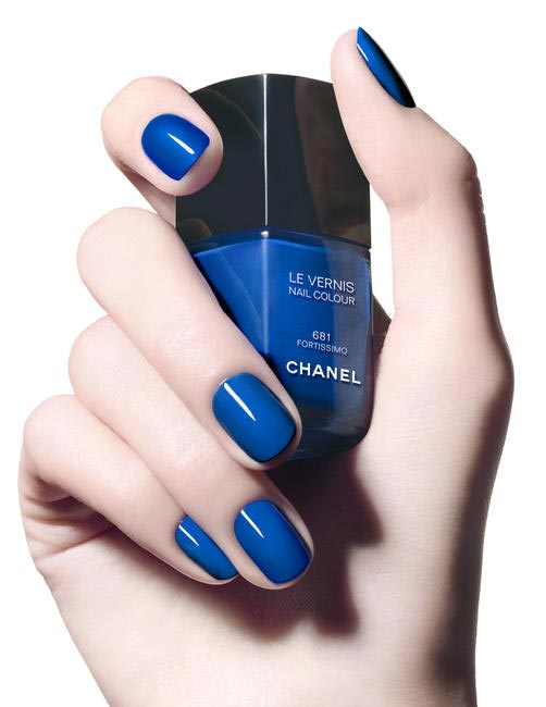Le Vernis Fortissimo Nail Colour - Deep Navy Blue