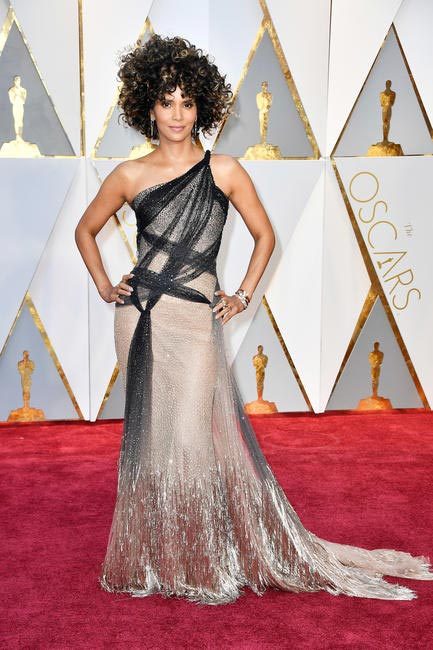 Halle Berry in custom Atelier Versace and Forevermark Diamonds