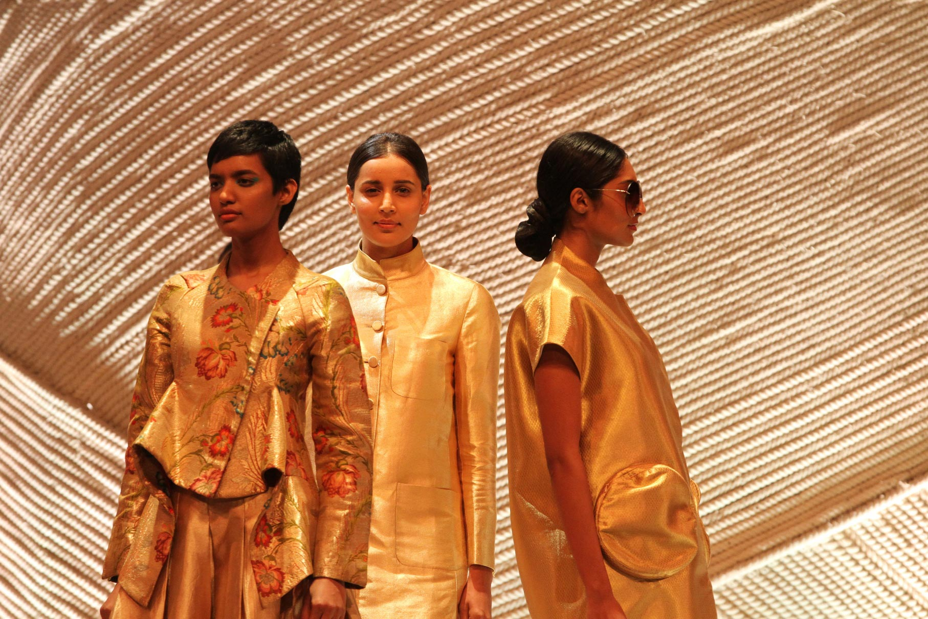 indian handloom show