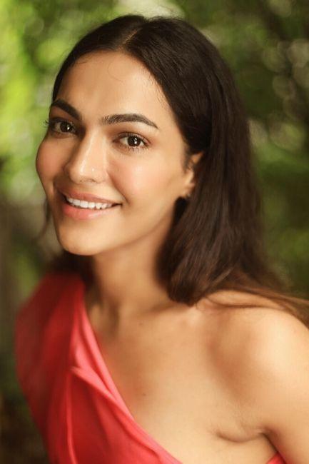 Meera Sakhrani