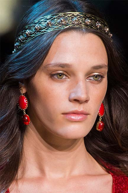 Embellished hairbands and gemstone earrings at Elie Saab Haute Couture