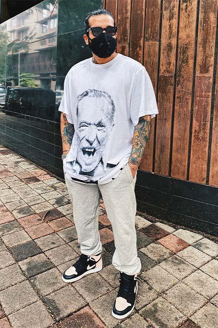 Allen Claudius in the Huemn Bukowski 2020 T-shirt