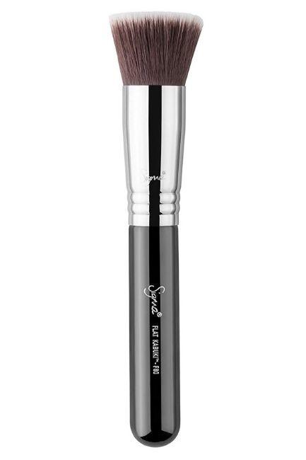 Make-Up Brushes for beginners - flat kabuki brush