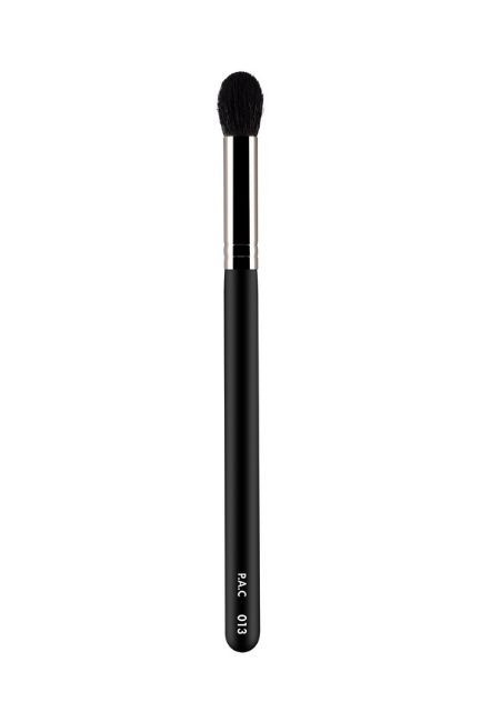 Make-Up Brushes for Beginners - Highlighter Brush