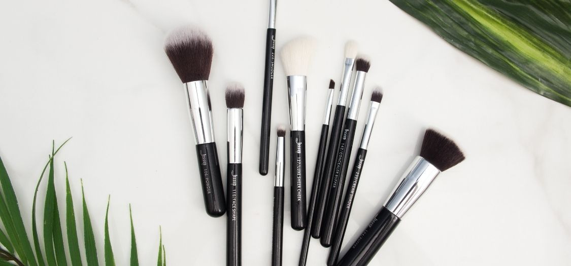Make-Up Brushes for Beginners