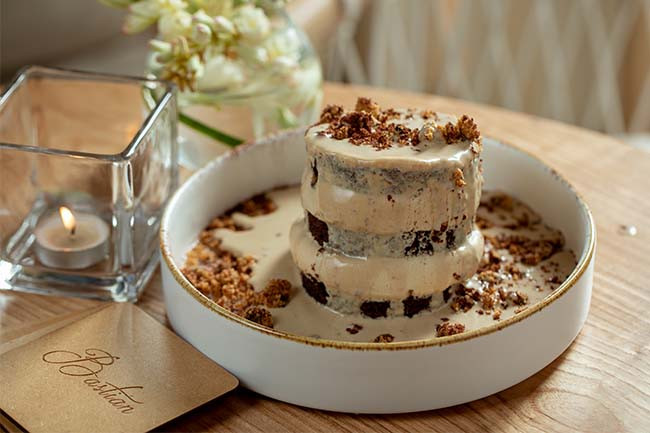 Tiramisu 'Pull-Me' Cake