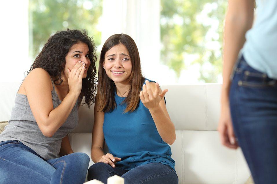 Toxic Friends, Gossip girls
