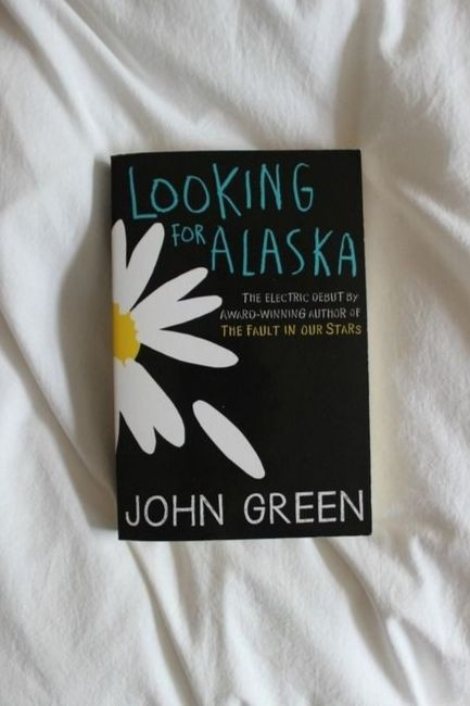 Teenager Book Looking For Alaska By John Green