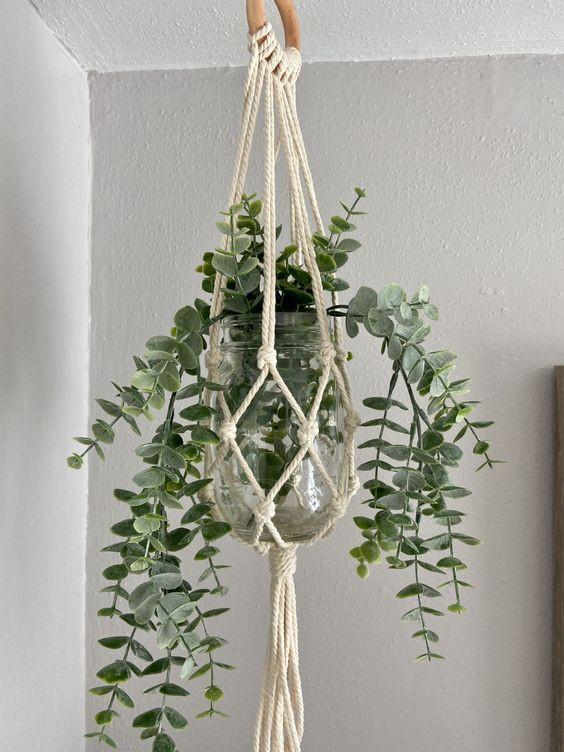 mini macramé hanging planters