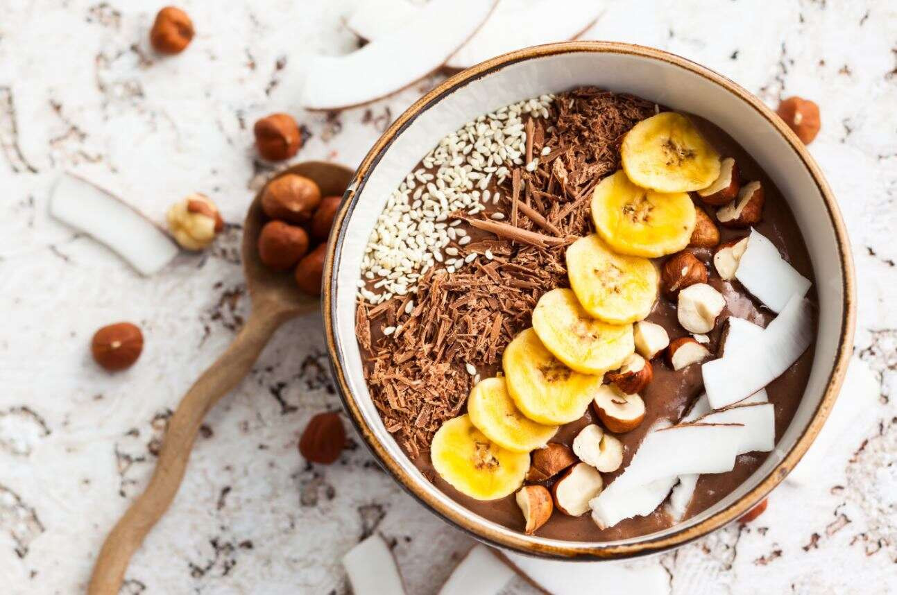 Smoothie Bowl Recipe: Banana Chocolate