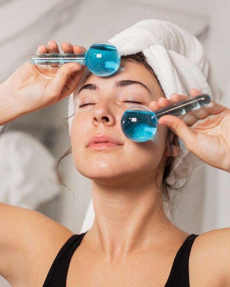Face Massage Tool: Ice Globes