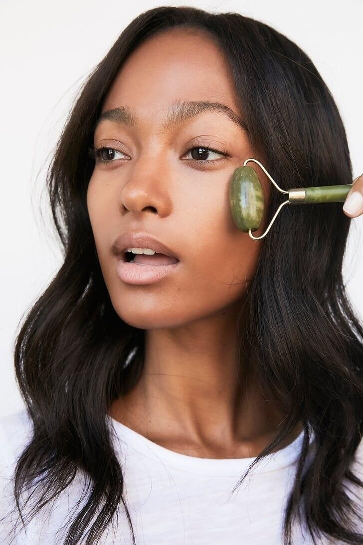 Face Massage Tool: Jade Roller