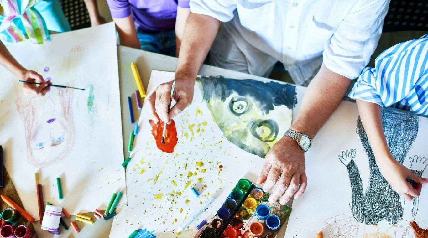 How To Manage Stress: Art Therapy
