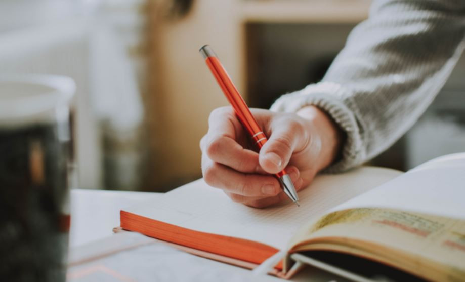 How To Manage Stress: Journaling