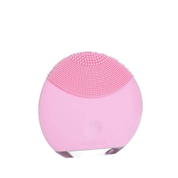 Foreo Luna Mini in Petal Pink, Rs 7,274